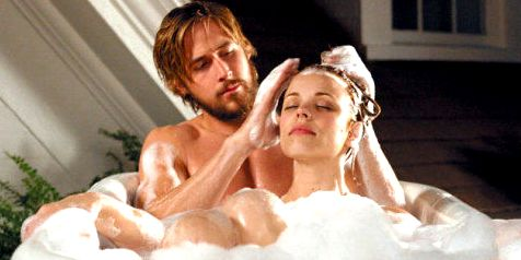 Ryan Gosling and Rachel McAdams in the bath - The Notebook' /